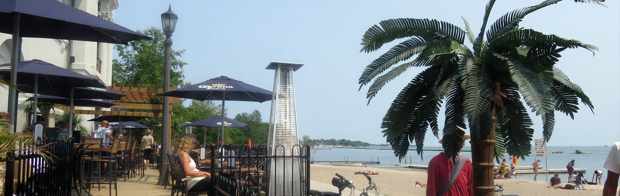 SunnySide-Cafe-Patio-Beach-pic-3